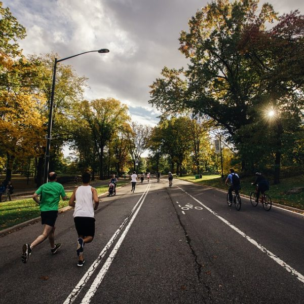 dieta corsa alimenti consigli sport maratona bere mangiare alimentazione dimagrimento