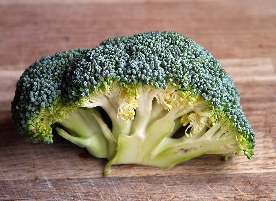 Broccoli, poche calorie e mille proprietà per la salute